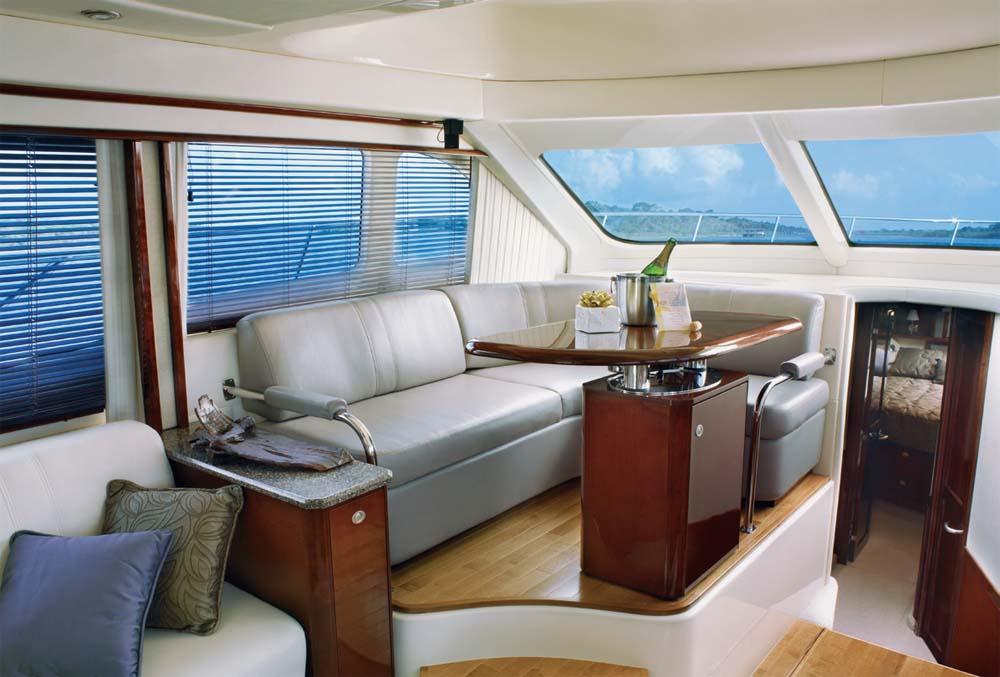 Sea Ray 520 Sedan Bridge | PowerBoating com