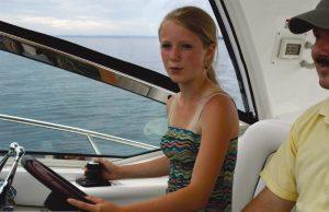 boattest_1175_sea_ray_370_sundancer_04