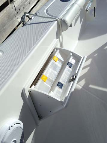 The flip-out tackle trays hidden in the star-board gunwale are a great convenience.