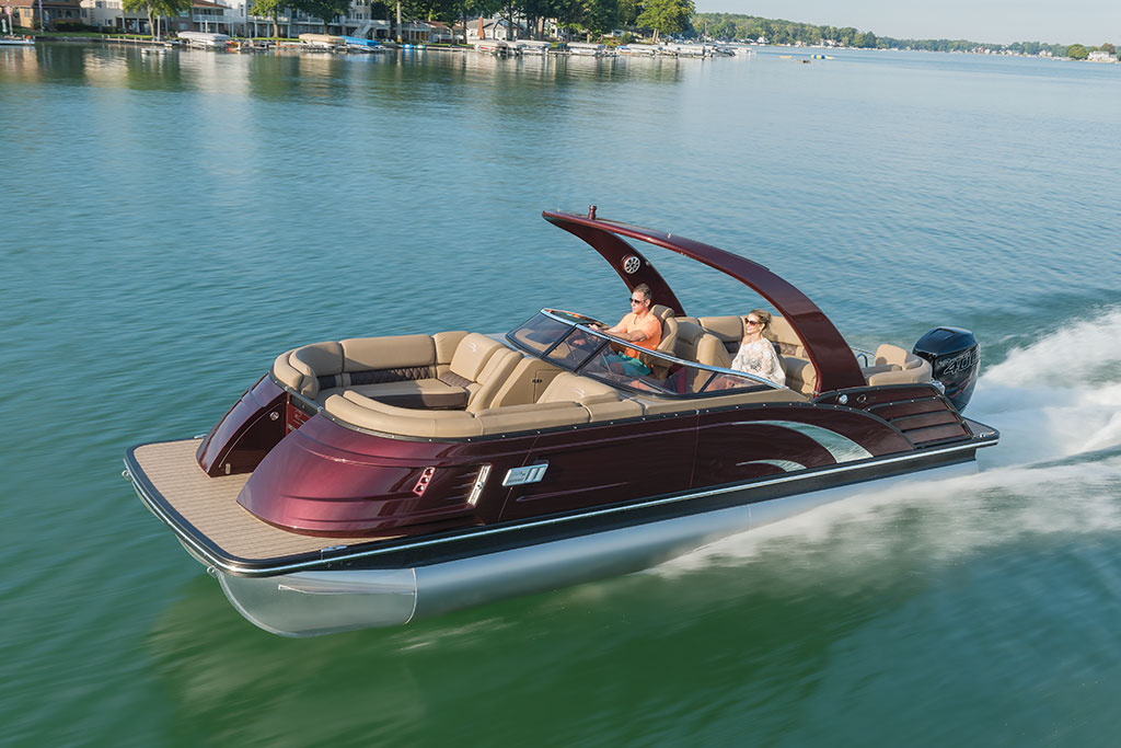 The Bennington QX25 has sleek minimalist styling