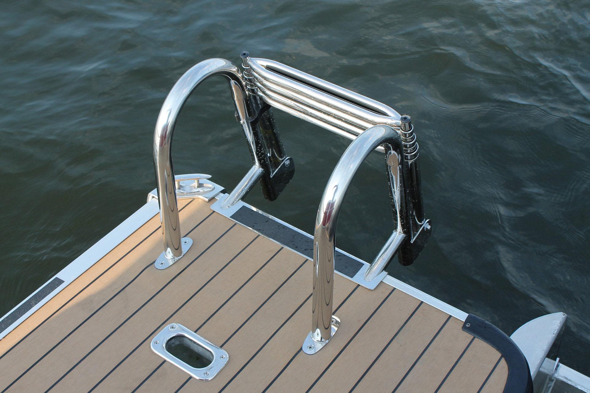 SunChaser Eclipse 8525 Entertainer Swim Ladder