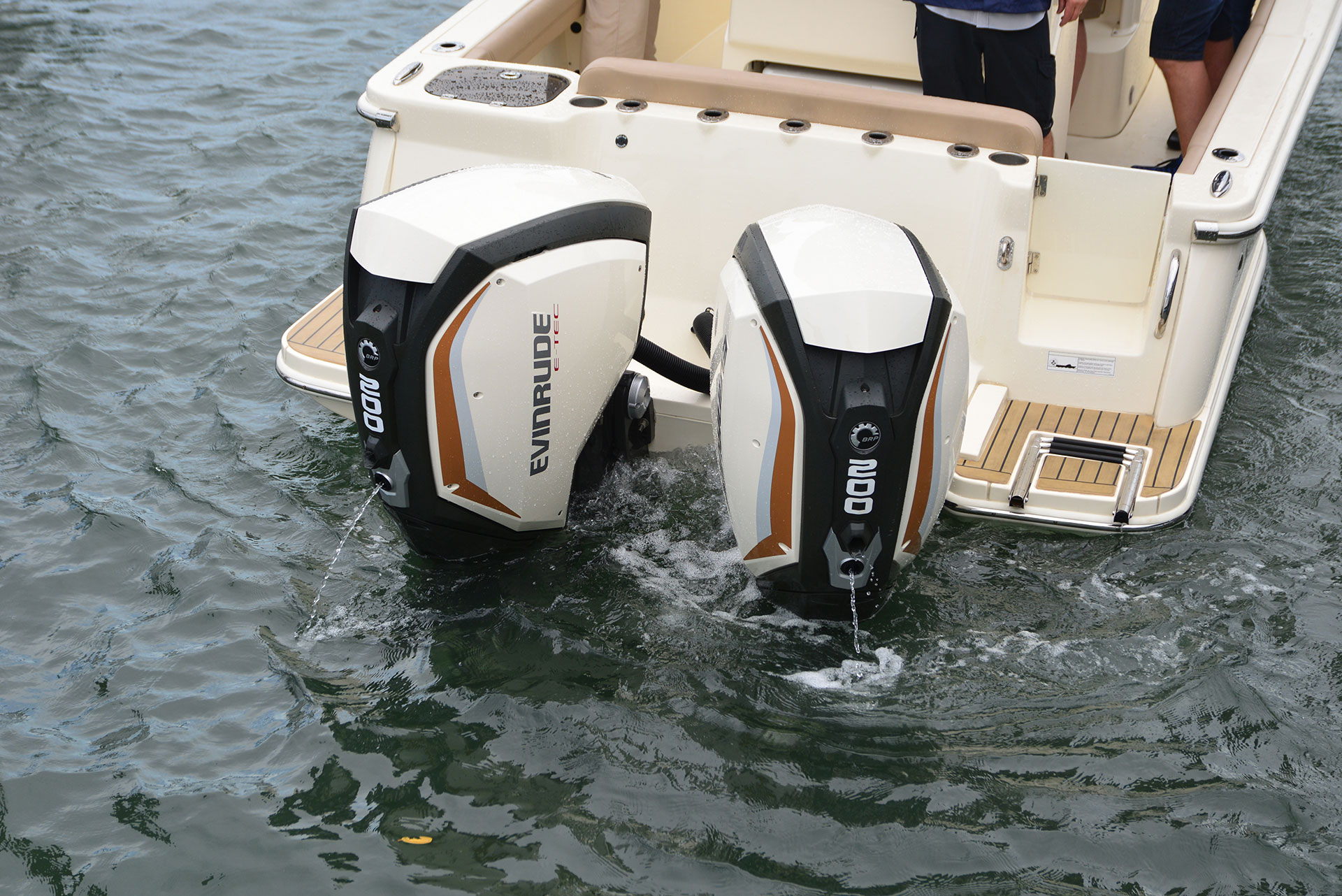 Hands on Test: Evinrude's Affordable iDock Joystick | PowerBoating com