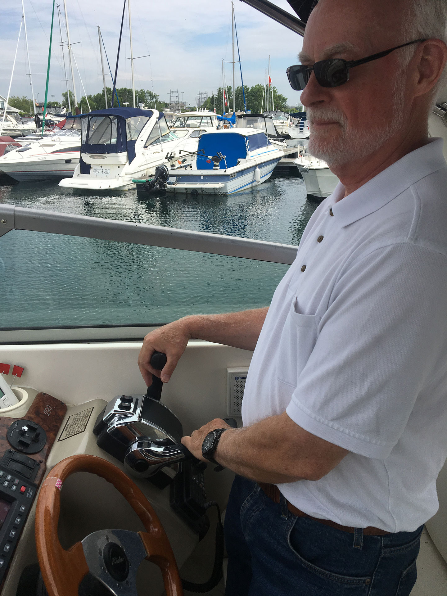 how to drive a boat