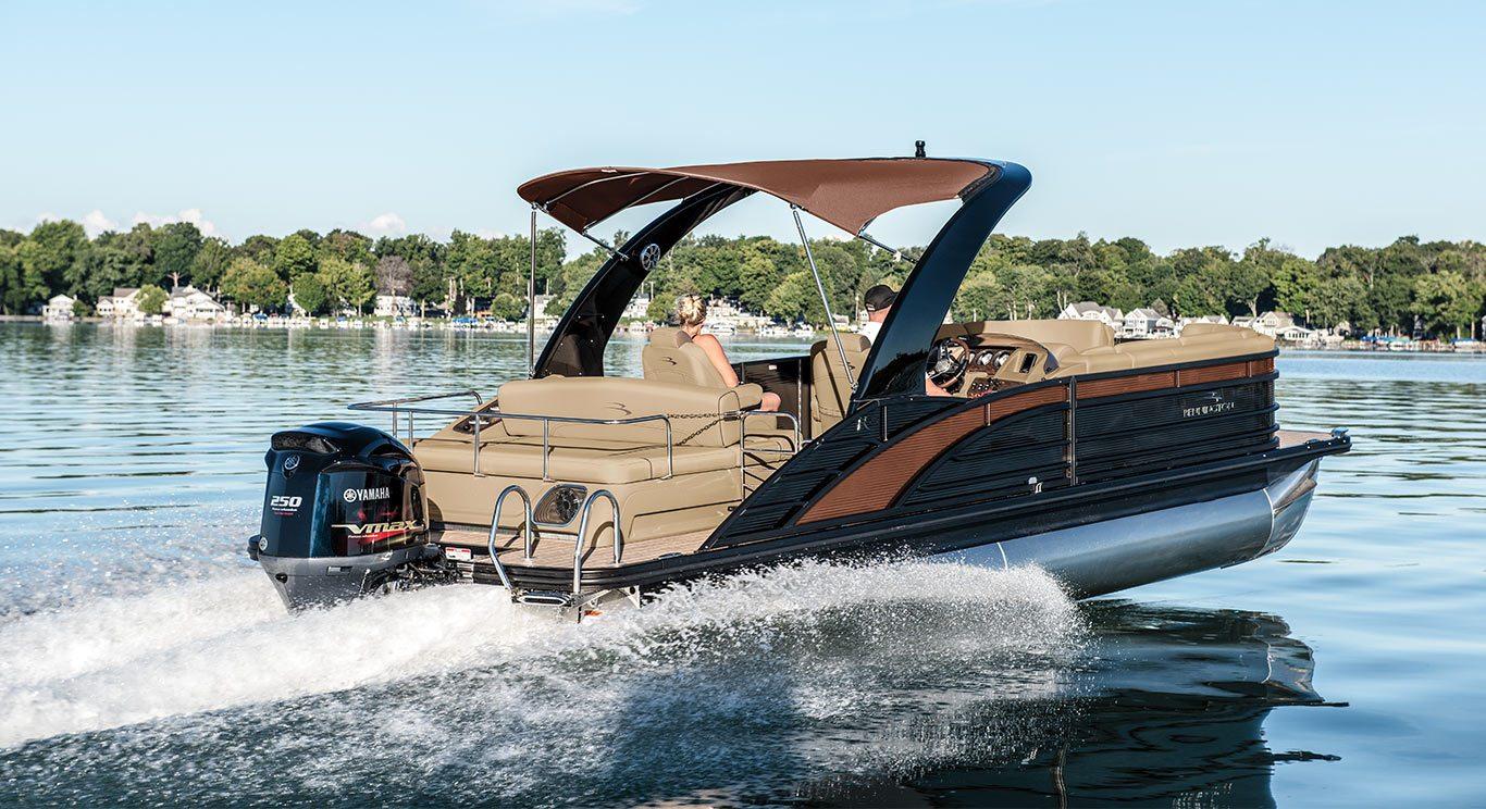 33 3 Pontoonfeatue Bennington R25 Swingback Pontoon Boat